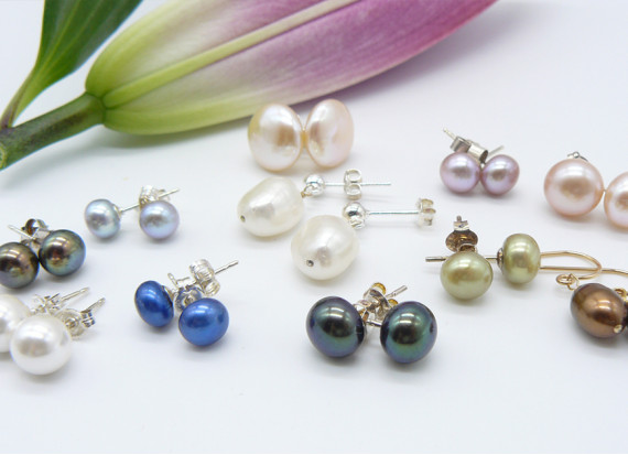So many pearl earrings to choose from ...