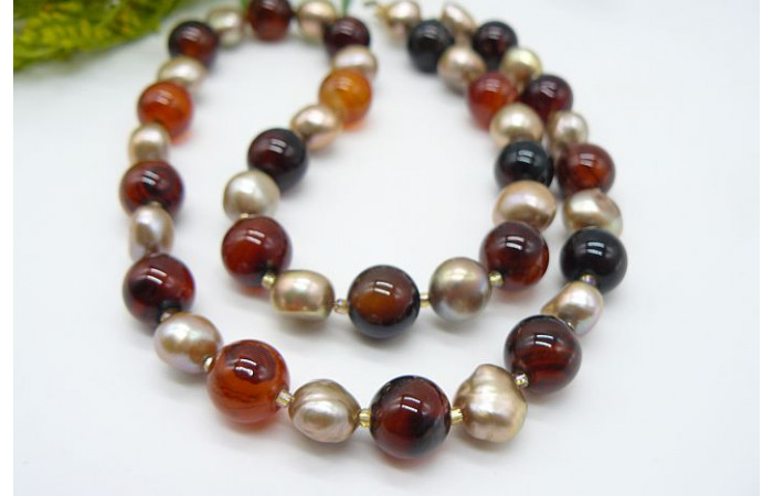 Gold Pearl & Sardonyx Necklace