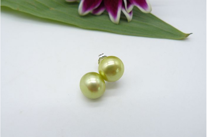 SALE OFFER Lime Green Pearl Stud Earrings - Medium