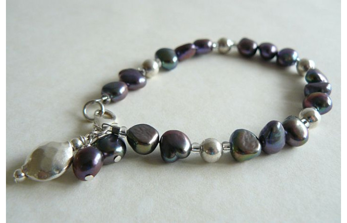 Grey Pearl & Thai Silver Hammered Disc Bracelet