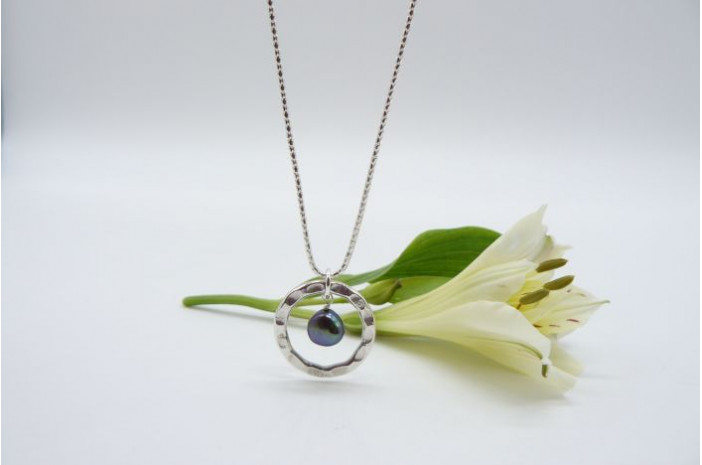 Grey Pearl & Thai Silver Hammered Ring Pendant Necklace