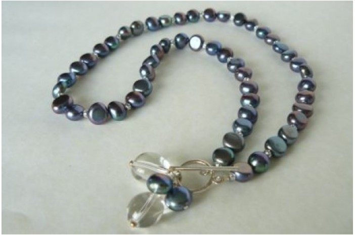 Grey Pearl & Front Toggle Necklace
