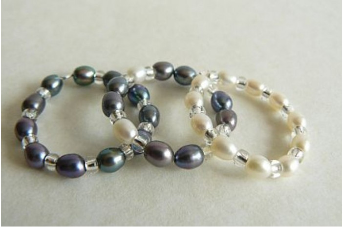 Grey & White Pearl Elasticated Rings