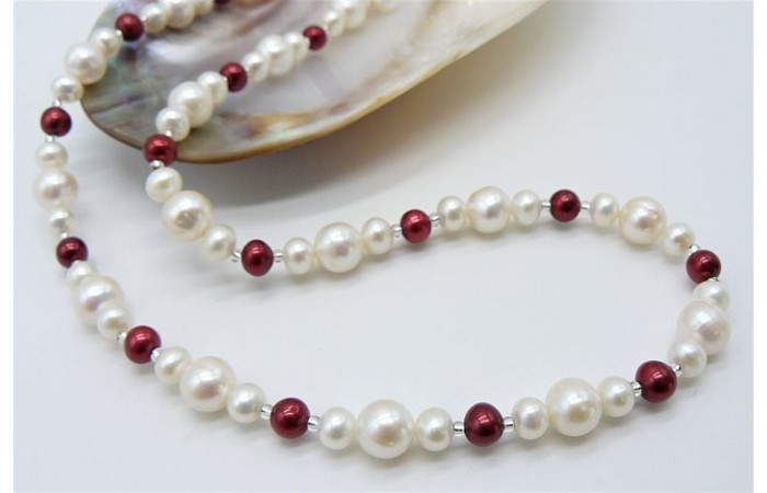 White & Red Round Pearl Necklace
