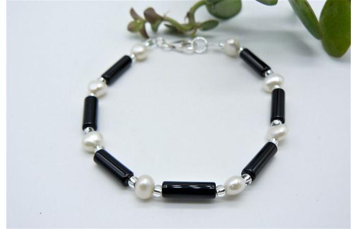 Black Agate & Pearl Bracelet