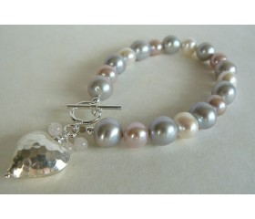 Silver White & Pink Large Round Pearl Bracelet & Silver Hammered Heart
