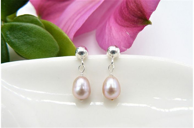 Pink Small Oval Pearl Drop Earring