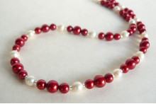 Red & White Round Pearl Necklace