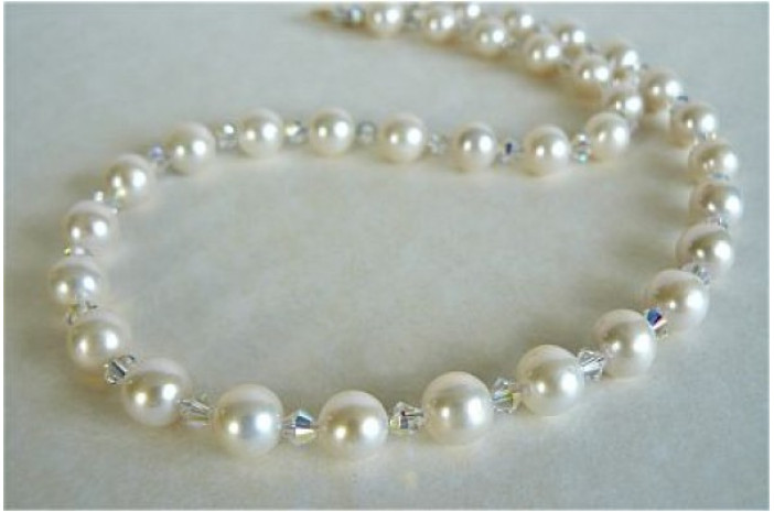 White Medium Round Pearl & Crystal Necklace