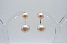 Pearl Earring Enhancer