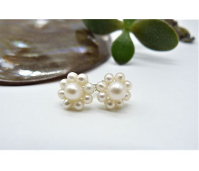 White Pearl Flower Stud Earrings
