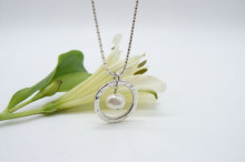 White Pearl & Thai Silver Hammered Ring Pendant Necklace