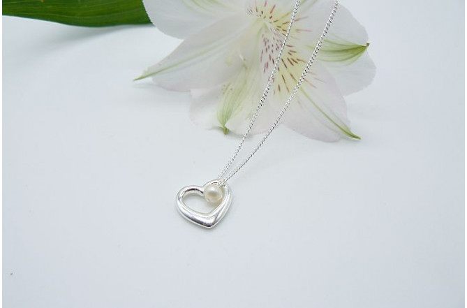 Open Heart & Pearl Pendant Necklace