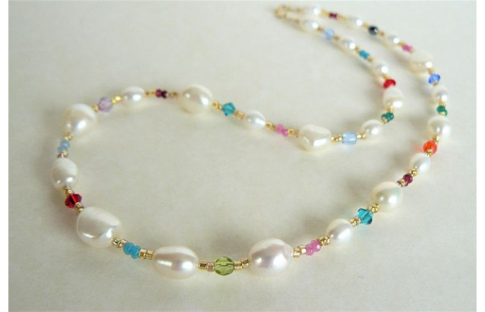 White Pearl & Mixed Bead Necklace