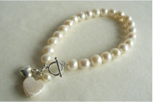 White Medium Round Pearl Bracelet with Pearl Heart Drop