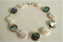 White Coin Pearl & Abalone Bracelet