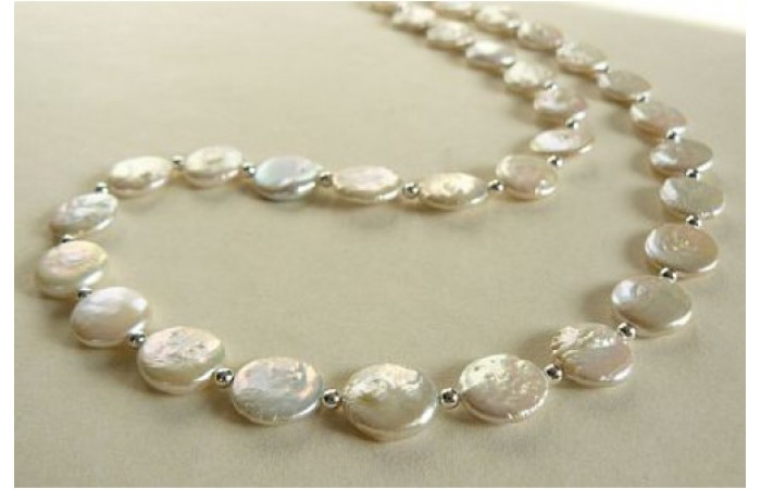 White Coin Pearl & Silver Bead Necklace