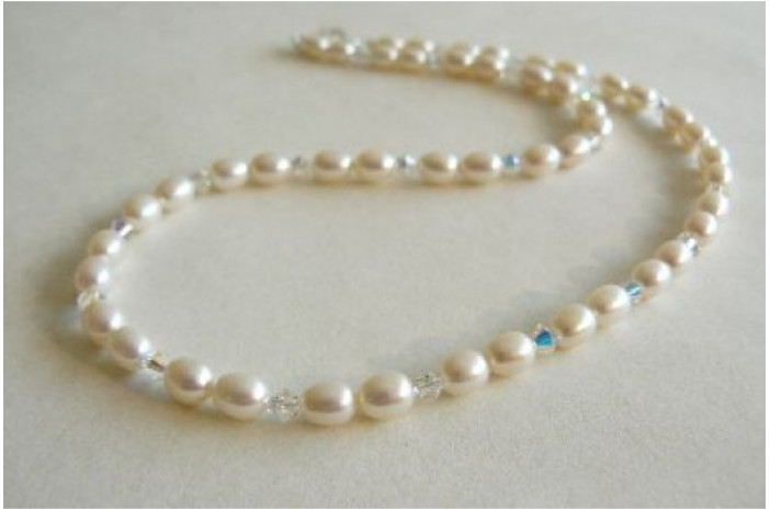 White Pearl & Swarovski Crystal Necklace