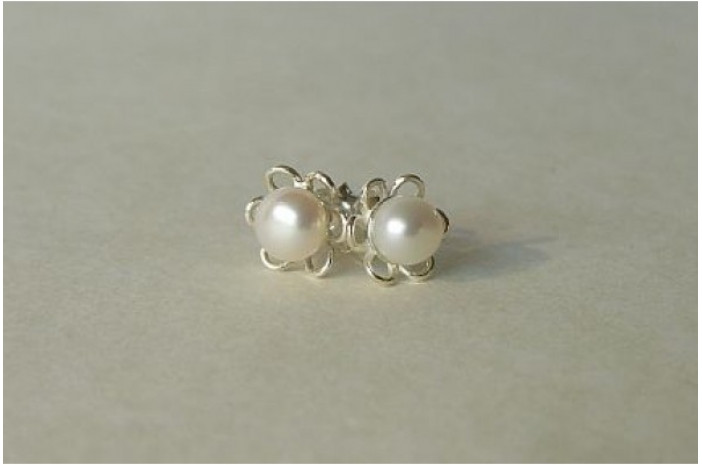 White Pearl Silver Petal Stud Earrings