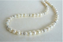 White Round Pearl & Silver Rondel Necklace