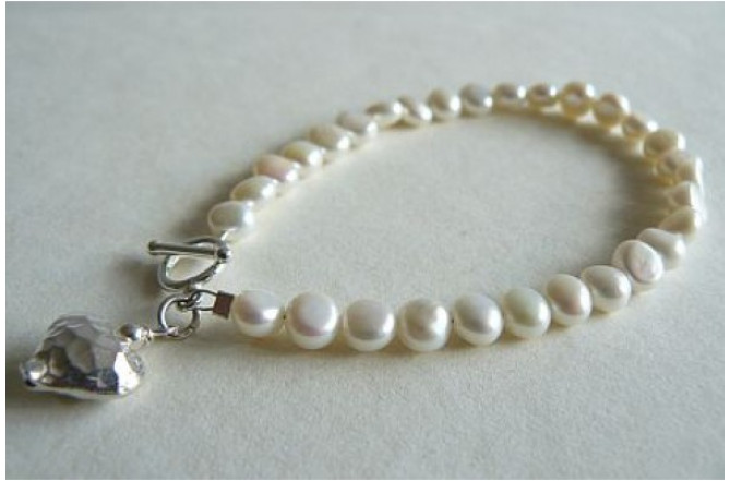 White Pearl Bracelet & Silver Hammered Heart Drop