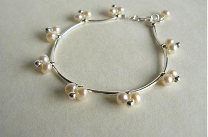 White Pearl Rosebud Bracelet