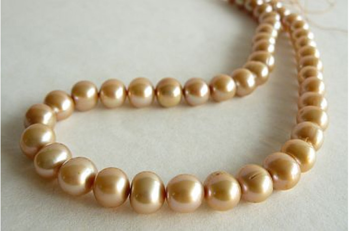 Gold Large Round Pearl Necklace