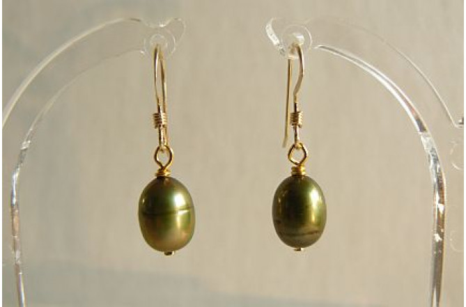 Green Pearl Drop Earring