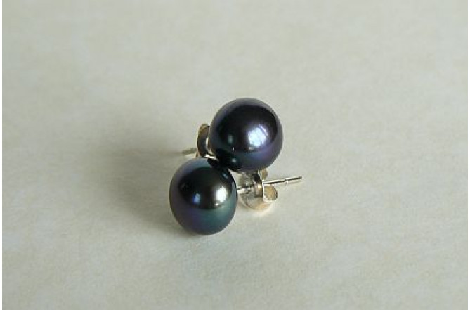 Grey Pearl Stud Earrings - Medium