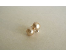 Ivory Pearl Stud Earring - Medium
