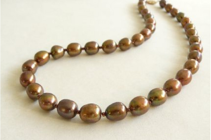Bronze Oval Pearl Necklace