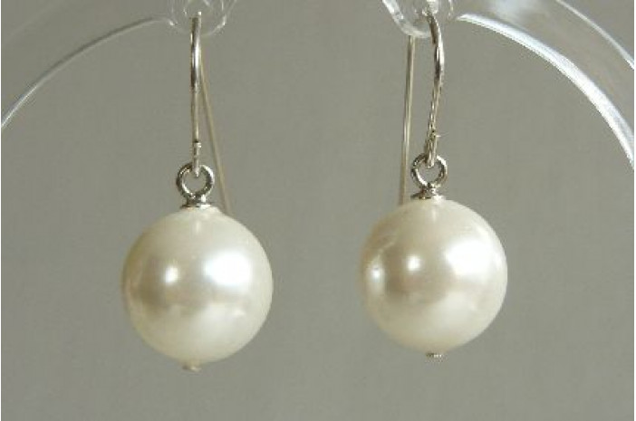 White Large Shell Pearl Drop Earrings