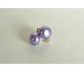 Light Purple Pearl Stud Earrings - Medium