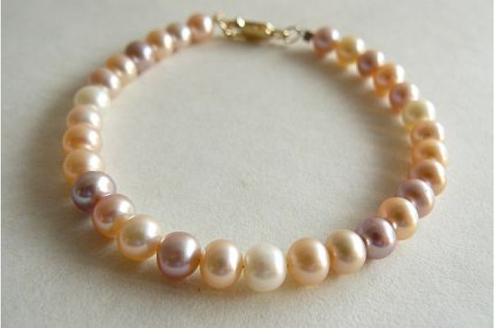 Natural Colour Small Round Pearl Bracelet