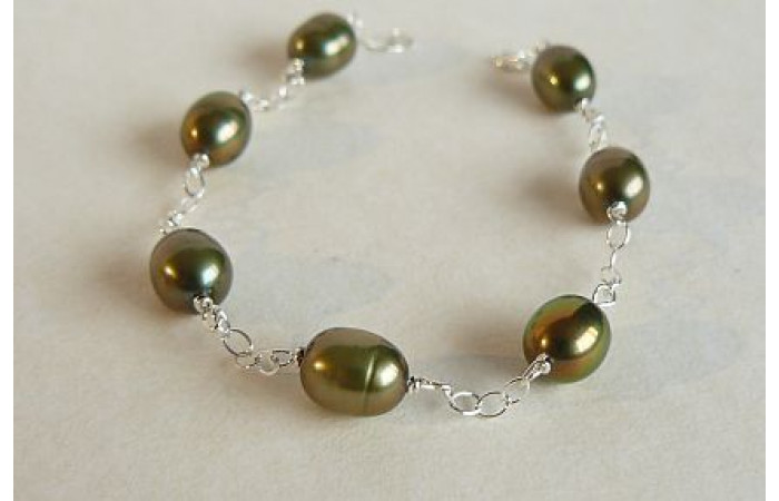 Olive Green Oval Pearl on Silver Chain Bracelet
