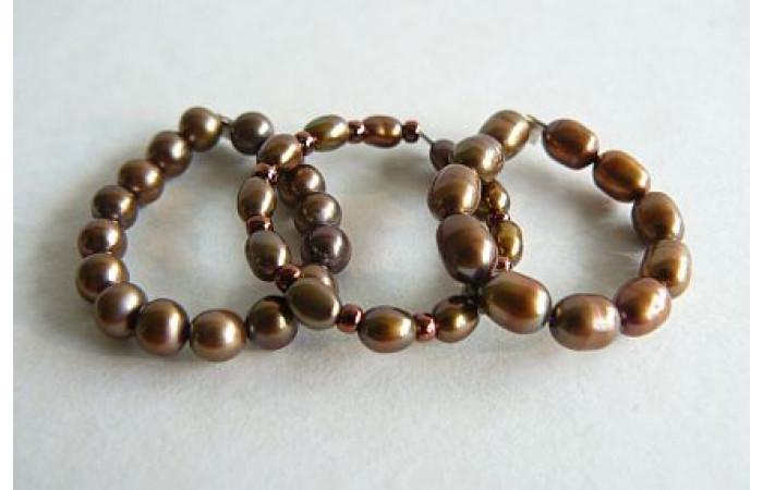 Bronze Pearl Elasticated Rings