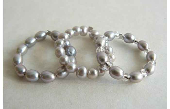 Silver Pearl Elasticated Rings