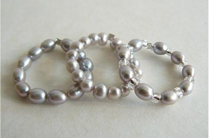 Silver Pearl Elasticated Rings