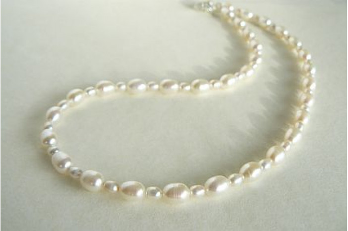 Mixed White Oval Pearl Necklace