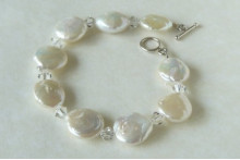 White Coin Pearl & Crystal Bracelet