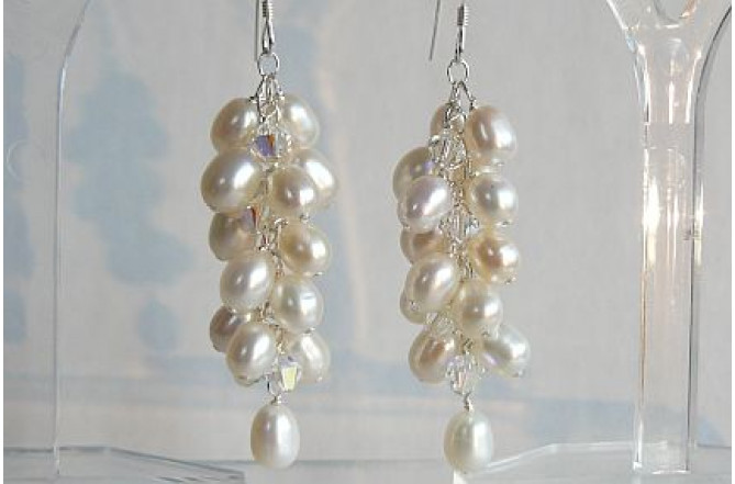 White Oval Pearl Cluster Drop Earrings