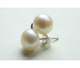 White Pearl Stud Earrings - Medium