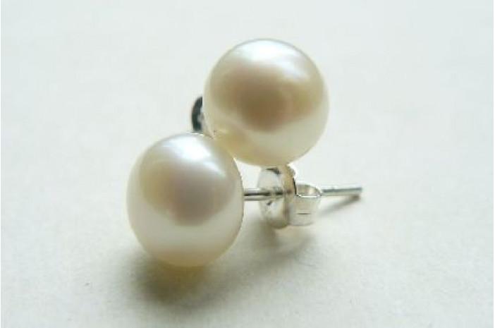 White Pearl Stud Earrings - Medium