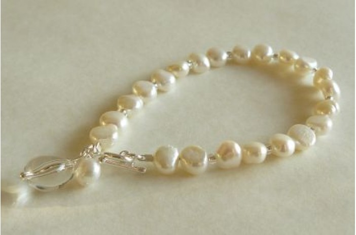 White Pearl & Toggle Drop Bracelet