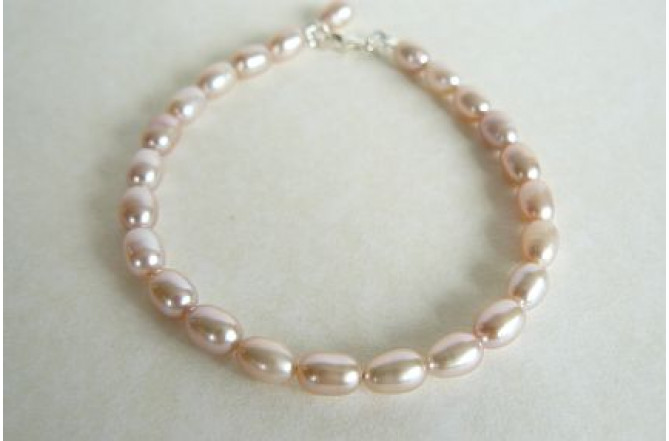 Pink Small Oval Pearl Bracelet