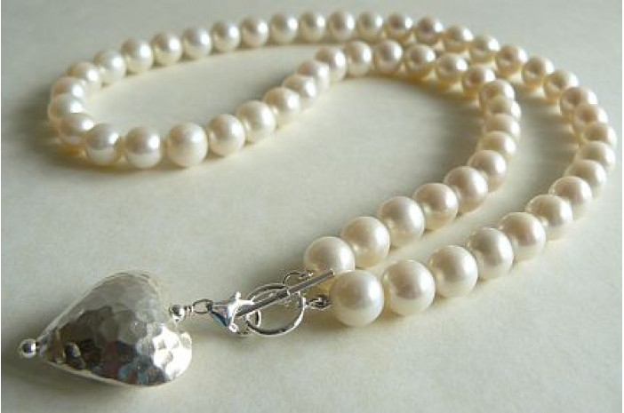 White Large Round Pearl Necklace & Detachable Silver Heart